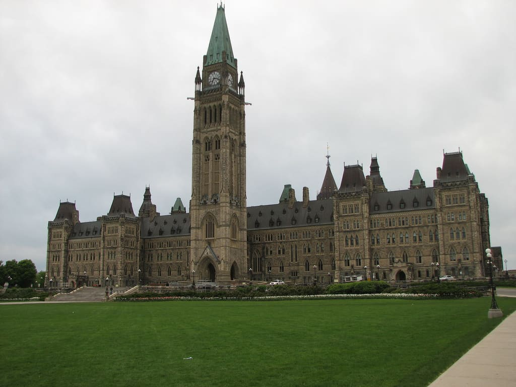 The centre block of the federal Parliament Buildings in Ottawa. _ Tracy/FLICKR