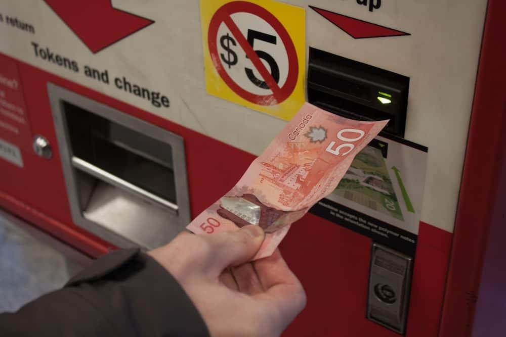 Toronto public transit prohibitively expensive, say students