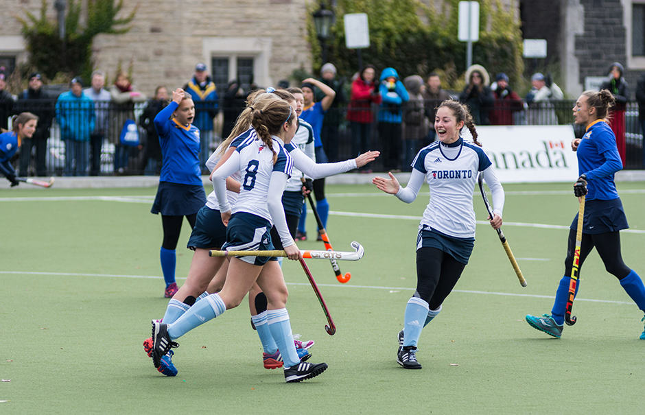 In photos: Varsity Blues field hockey takes on the west coast