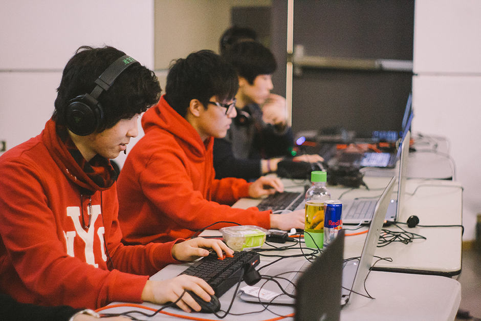 League of Legends fever hits U of T