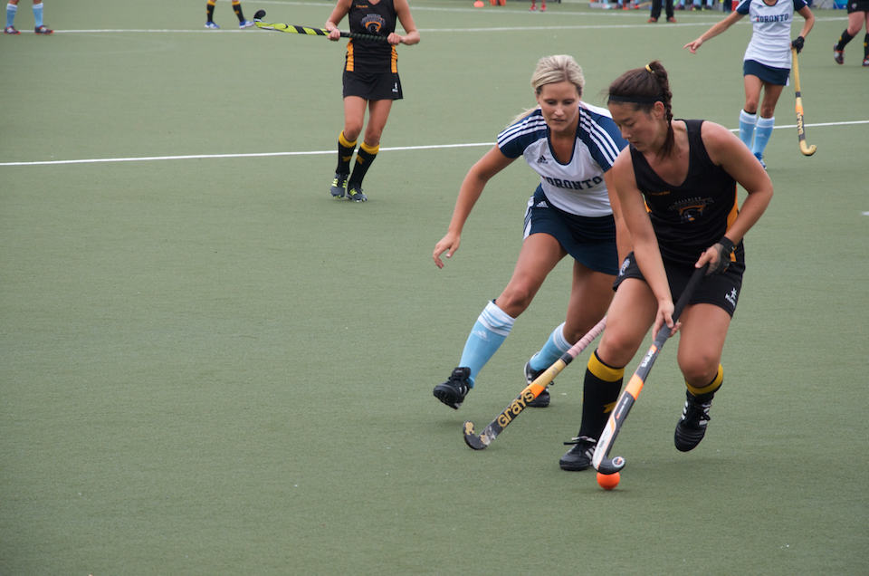U of T field hockey dominates in home opener