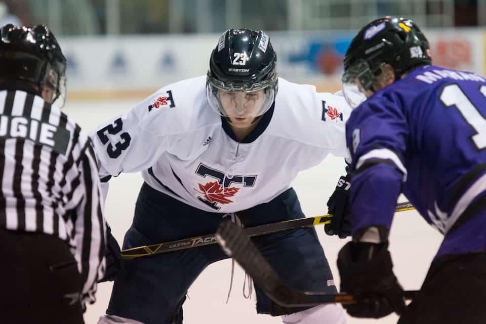Varsity Blues men's hockey falls short against Mustangs