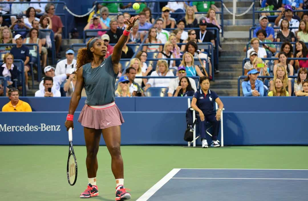 Serena Williams ready to serve at the 2013 US Open. Edwin Martinez/CCFLICKR
