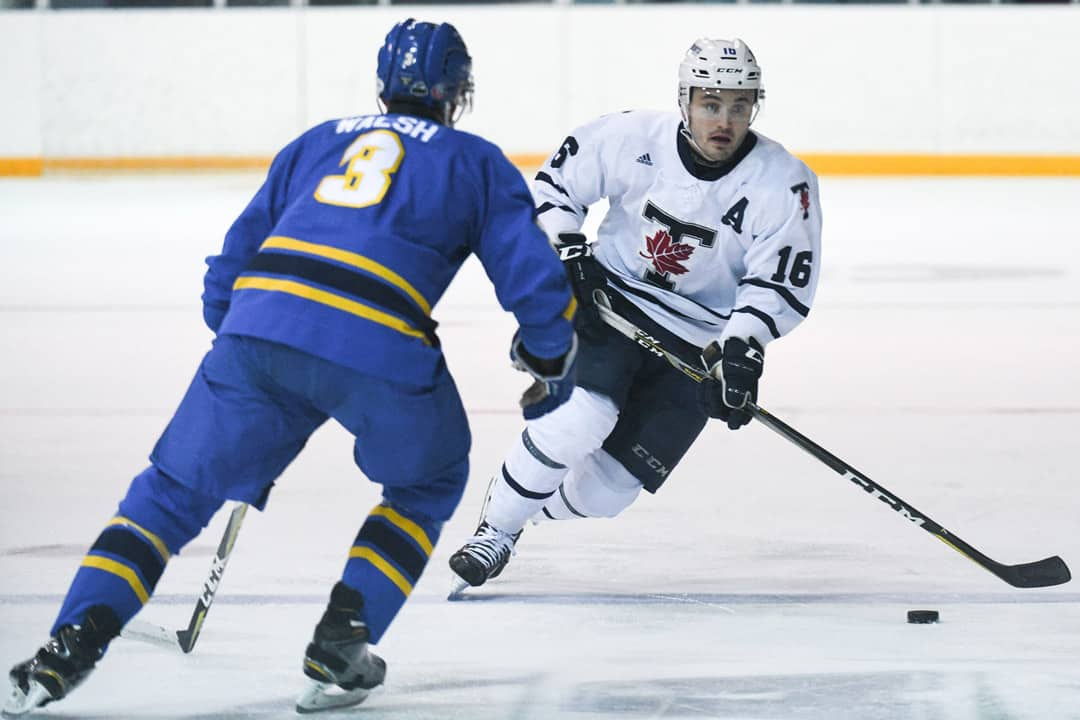 Blues men's hockey lose to Ryerson Rams in home opener