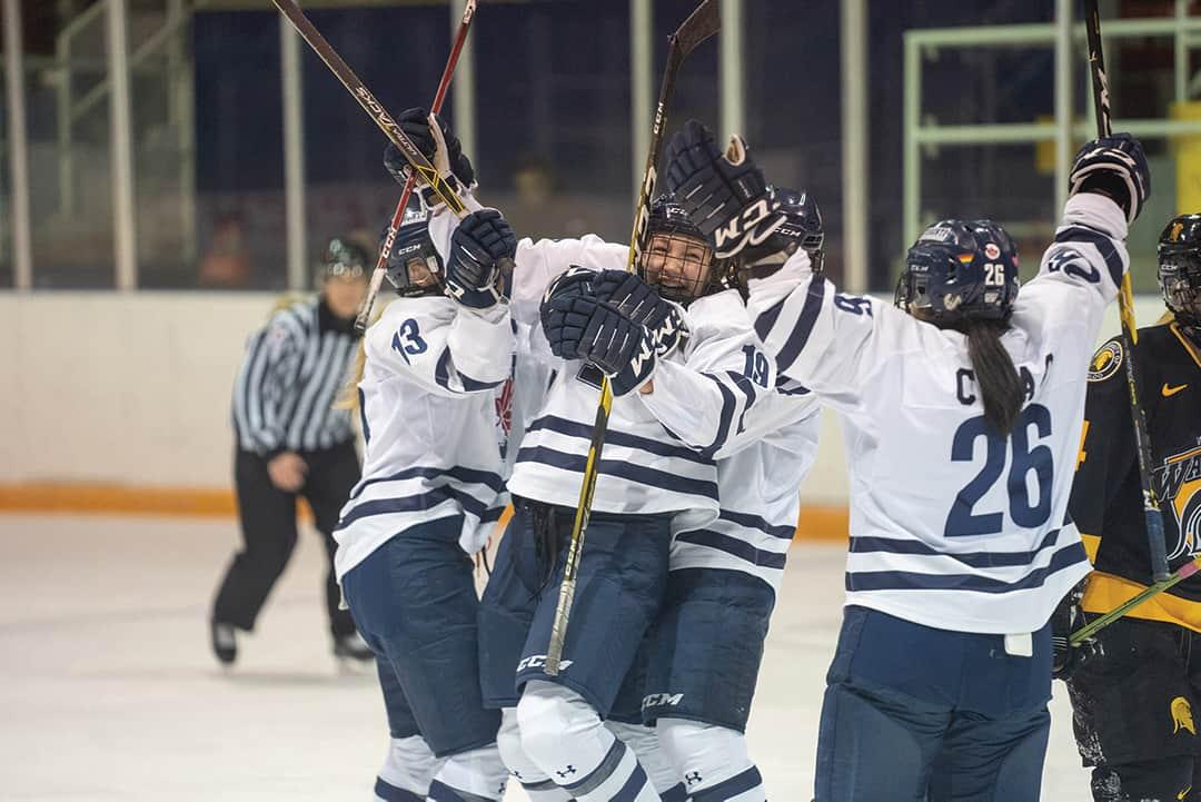 Blues women's hockey back to their winning ways
